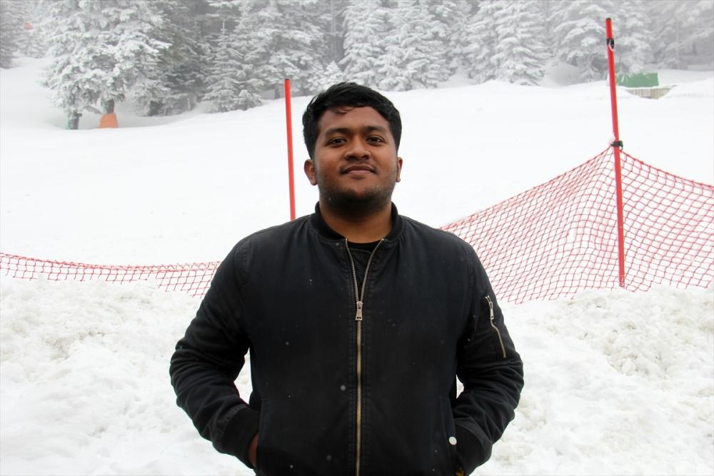 Uludağ'ın ziyaretçilerine baharda kar sürprizi 7