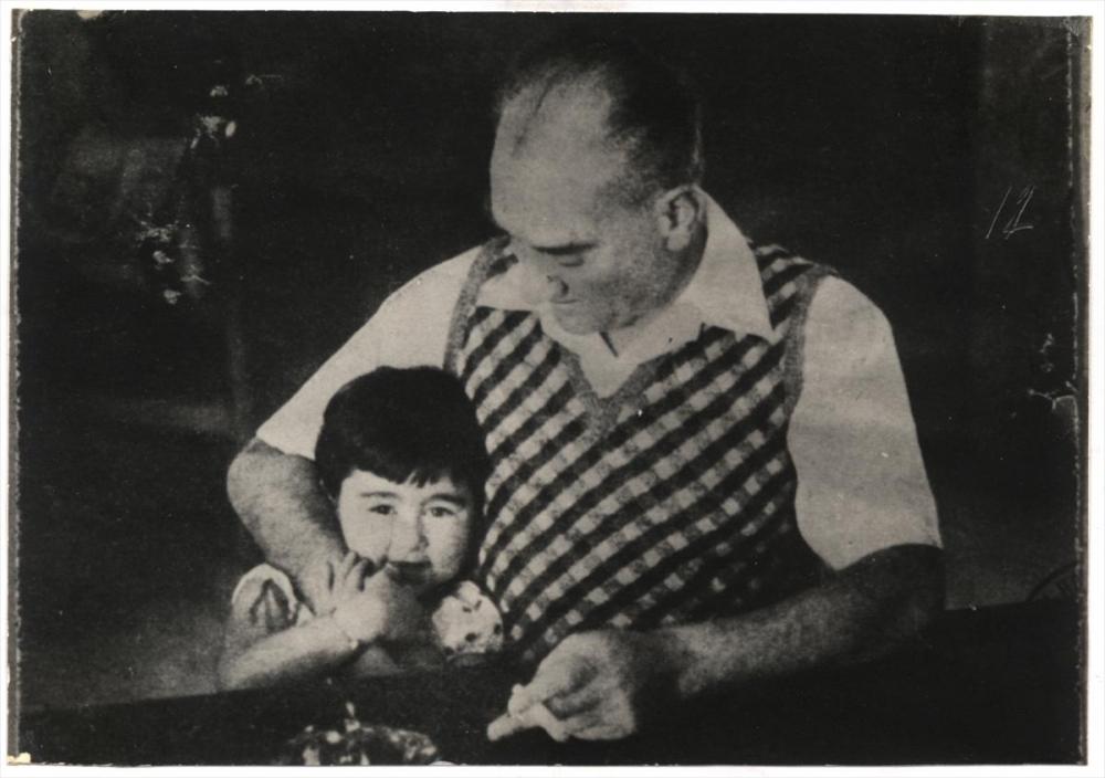 Genelkurmay arşivindeki Atatürk'ün çocuk sevgisi fotoğrafları 1