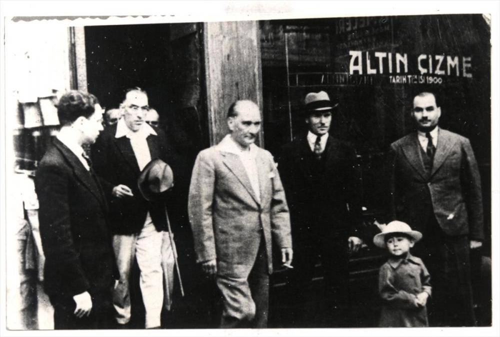 Genelkurmay arşivindeki Atatürk'ün çocuk sevgisi fotoğrafları 12