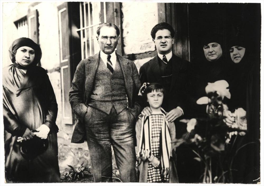 Genelkurmay arşivindeki Atatürk'ün çocuk sevgisi fotoğrafları 14