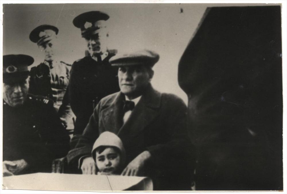Genelkurmay arşivindeki Atatürk'ün çocuk sevgisi fotoğrafları 15