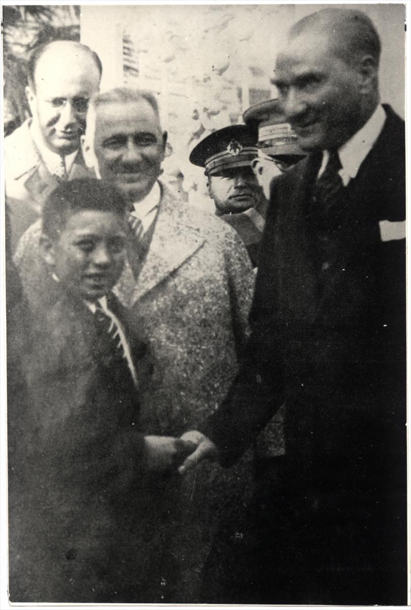 Genelkurmay arşivindeki Atatürk'ün çocuk sevgisi fotoğrafları 2