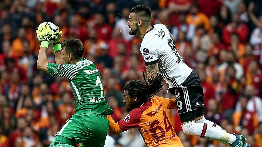 Galatasaray'dan Beşiktaş derbisinin önemli anlarından fotoğraflar 3