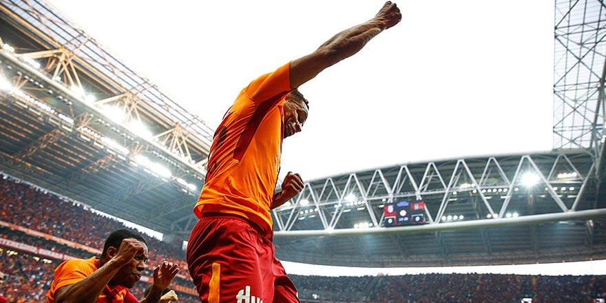 Galatasaray'dan Beşiktaş derbisinin önemli anlarından fotoğraflar