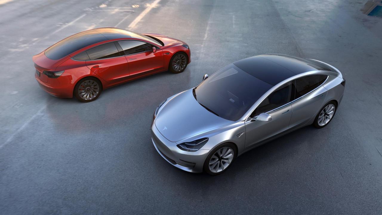 Elon Musk robotları suçladı