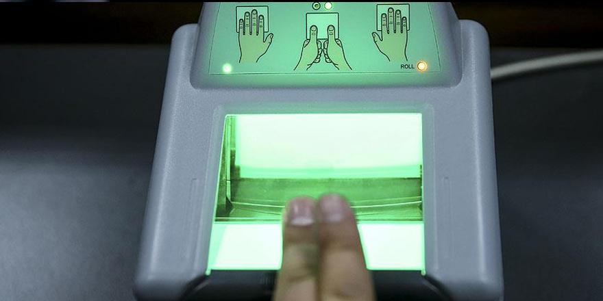 AB kimlik kartlarına parmak izi getiriyor