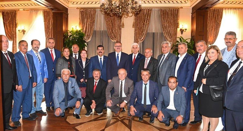 Antalya Valisi Karaloğlu'ndan muhtarlara kahvaltı talimatı