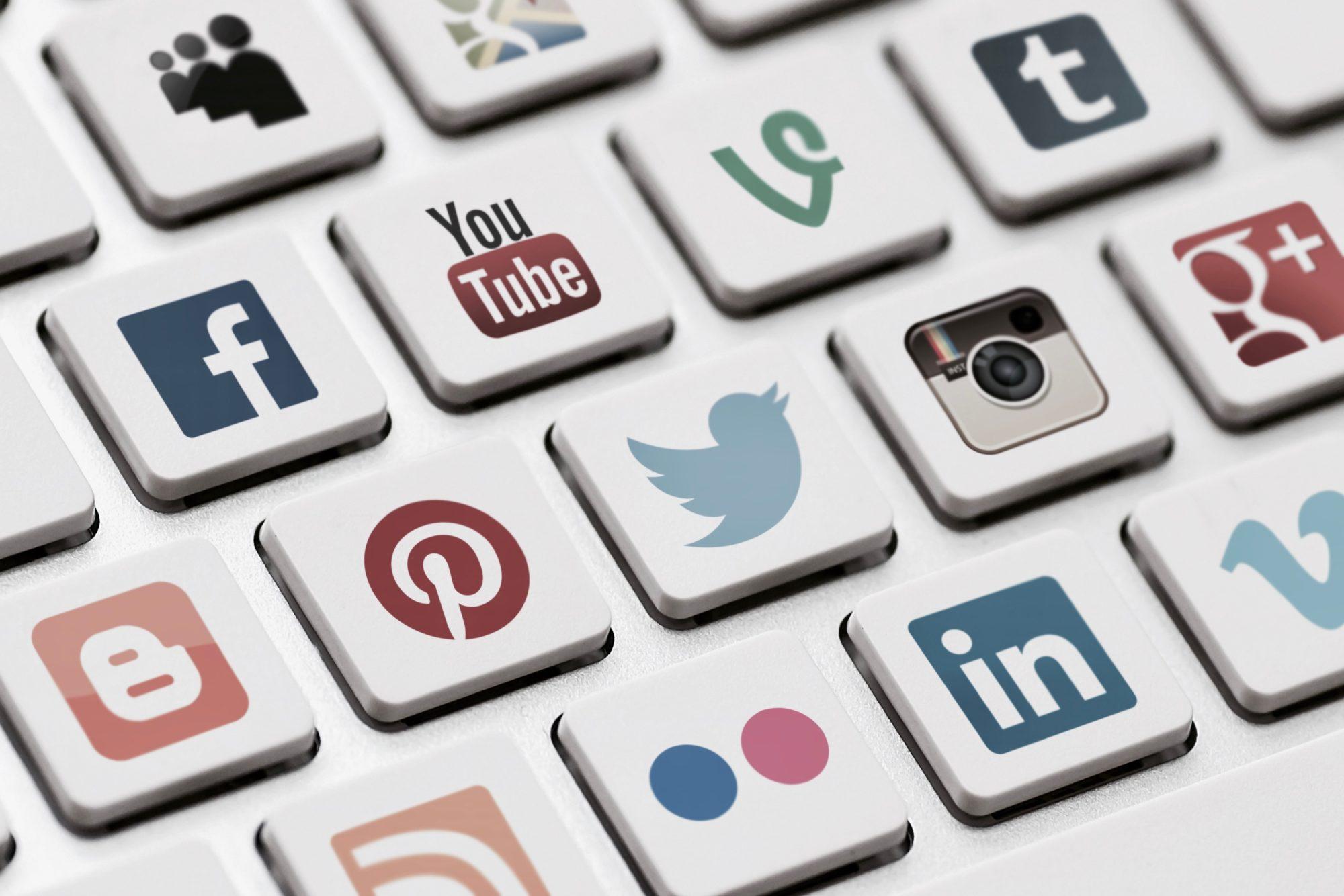 Binlerce sosyal medya hesabı incelemeye alındı