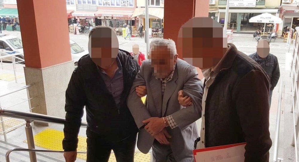 12 yaşındaki kız çocuğuna aşk mektubu yazan 70 yaşındaki adam gözaltına alındı