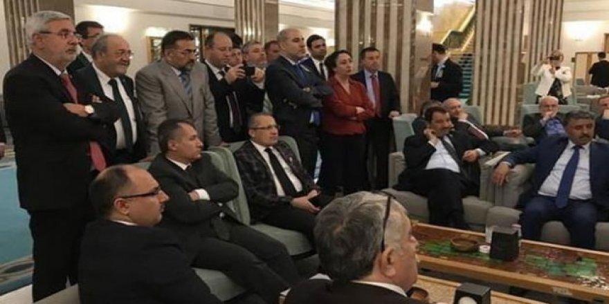 Erdoğan'dan AKP'li vekillere: kimse seçilemedim diye küsmesin!