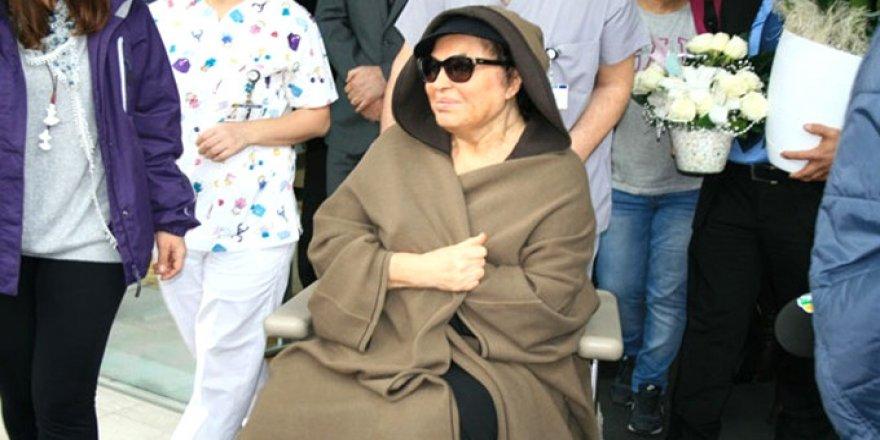 Türkan Şoray 5 gündür müşahede altında, hastalığı yüzünden kilo veriyor!
