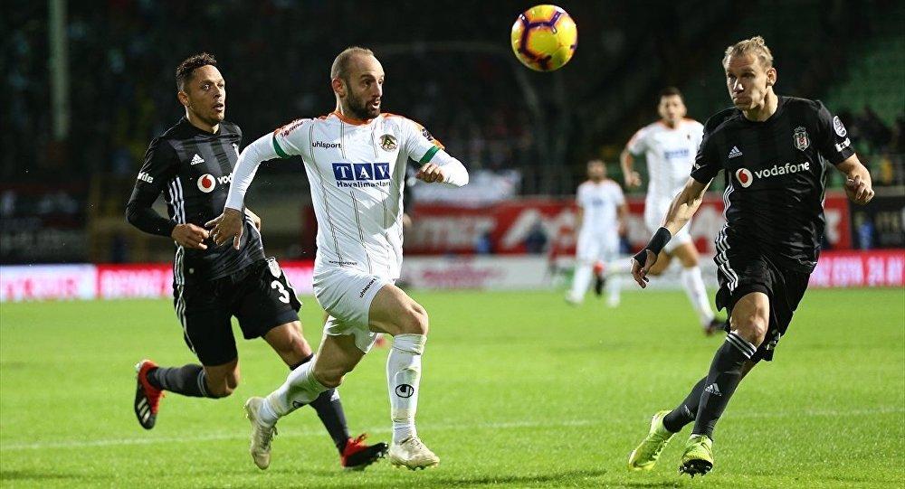 Beşiktaş'ın 2 maçlık galibiyet serisine, Alanyaspor freni