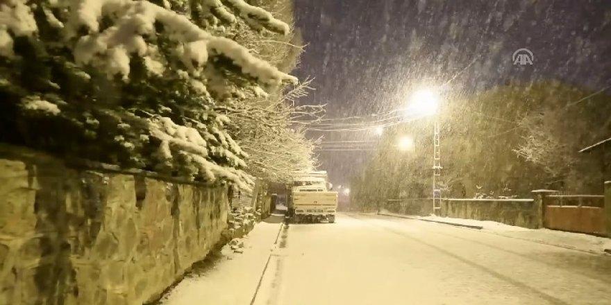Nisan'da kar yağdı! Görüntüler Türkiye'den.