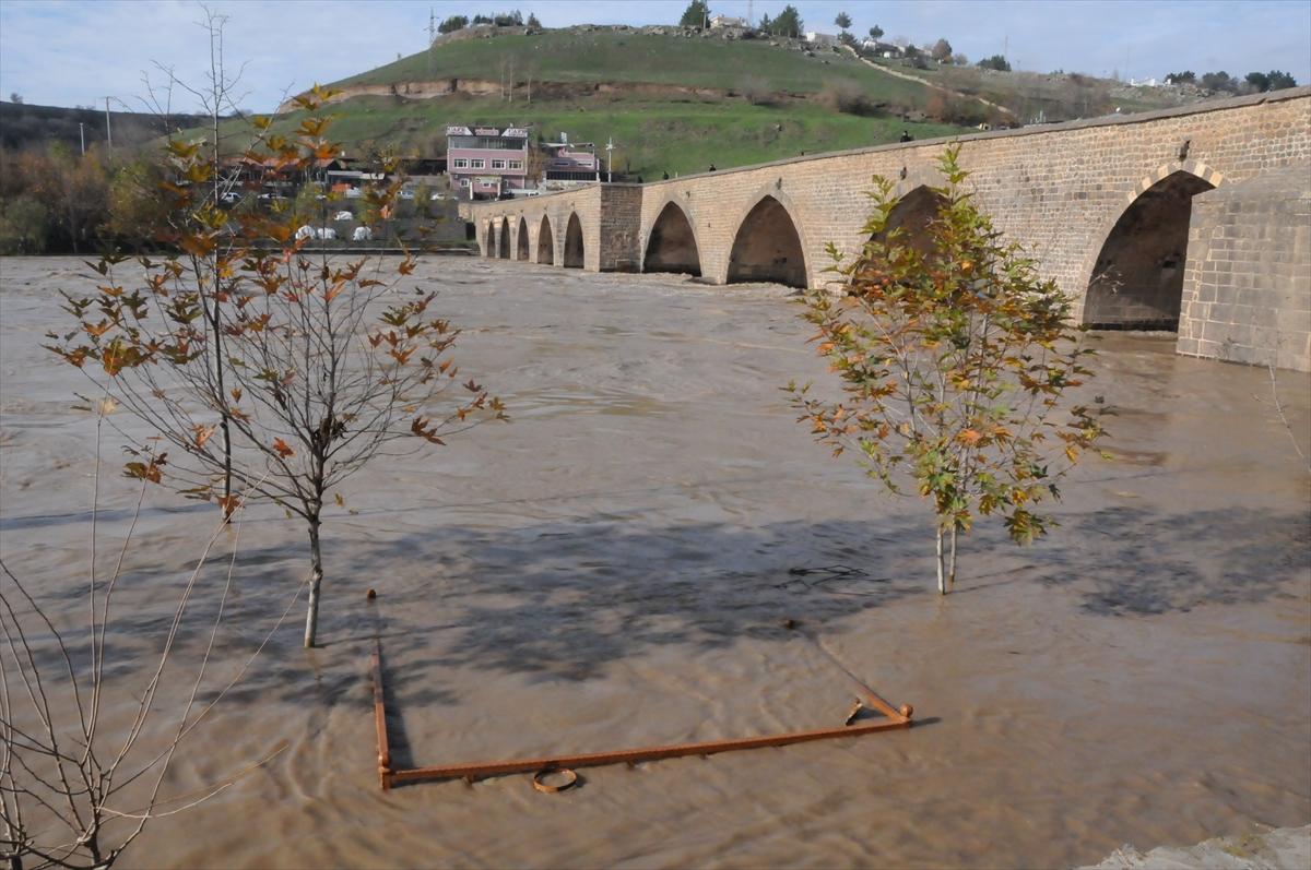 Su seviyesi azaldı, tehlike sürüyor
