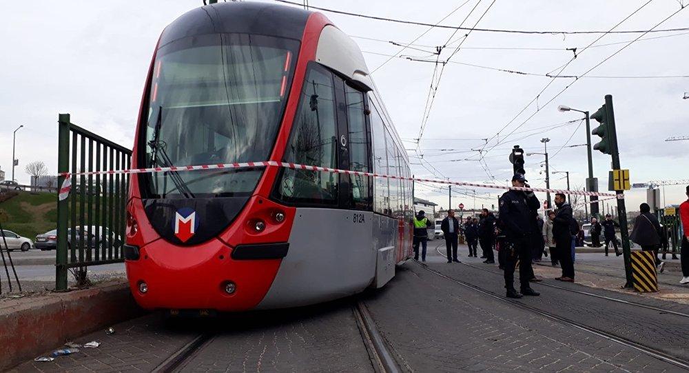 Cevizlibağ'da tramvay kazası: Seferler durdu