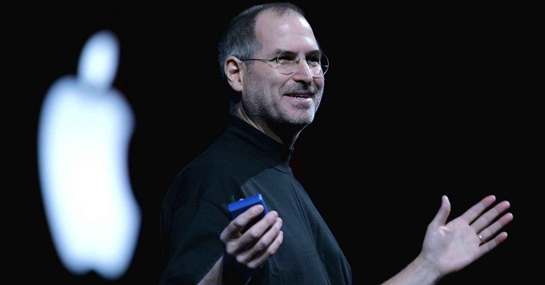 Steve Jobs'ın kartviziti açık artırmada rekor fiyata satıldı!
