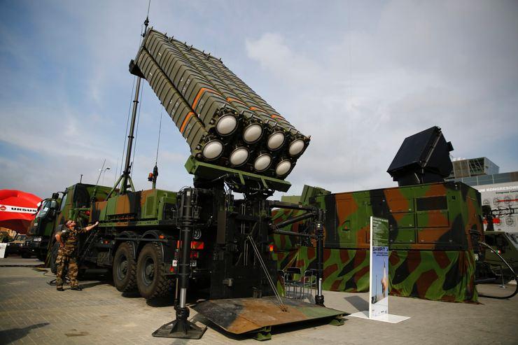 AB'den savunma hamlesi: Rus 'tehdidine' karşı 'askeri Schengen bölgesi'