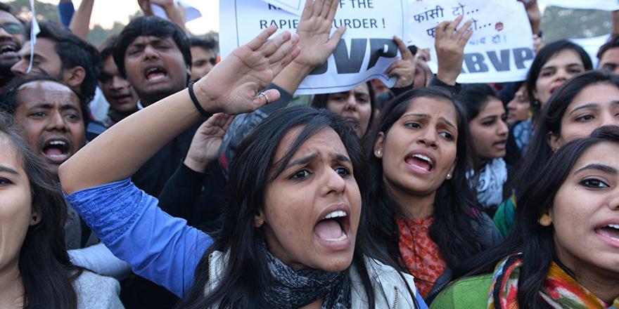 Hindistan'da çocuk tecavüzüne idam cezası onaylandı