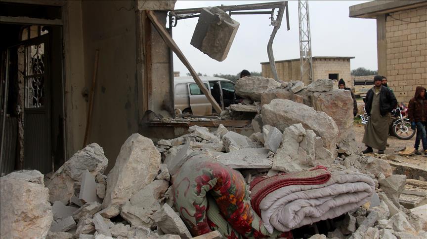 Rejim güçleri İdlib'de iki beldeyi tümüyle 'yıktı'