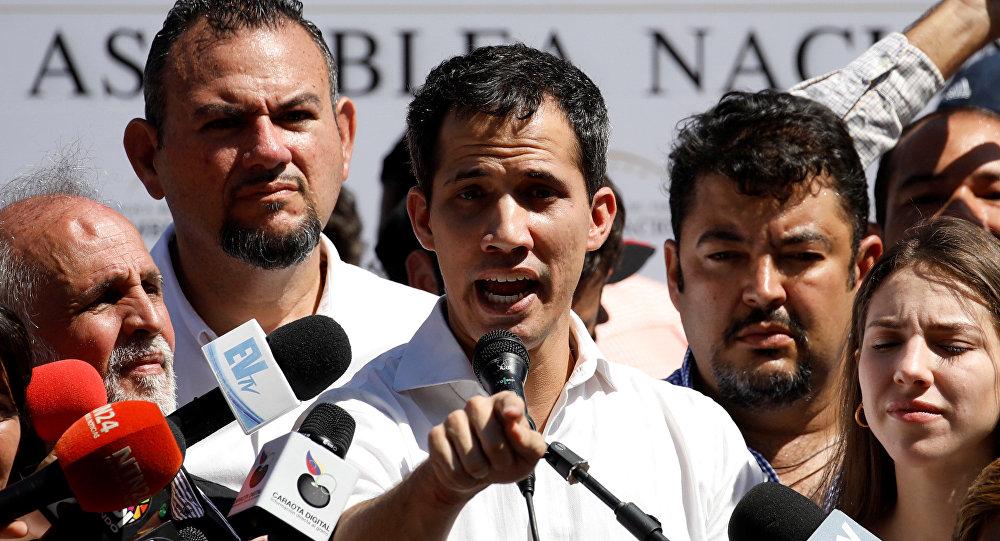 Guaido 'yabancı askeri müdahale' sorusuna olumsuz cevap vermedi