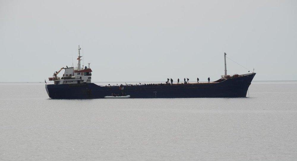 İstanbul'da alıkonulan geminin kaptanı: Taleplerimiz yerine getirilmezse Boğaz'ı kapatacağız