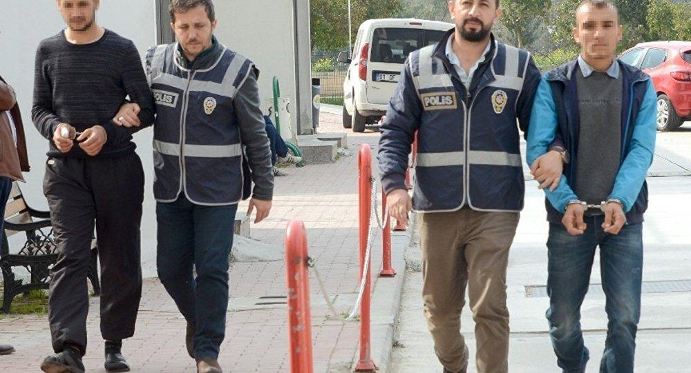 Adana'da 'halayı bozuyorsunuz' kavgası: 2 yaralı, 6 gözaltı