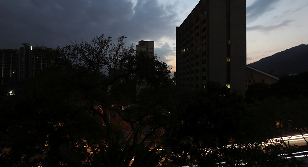 Venezuella elektriğe kavuştu