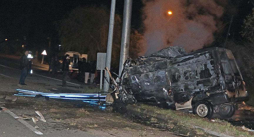 Iğdır'da kaza yapan minibüs alev aldı: 17 ölü