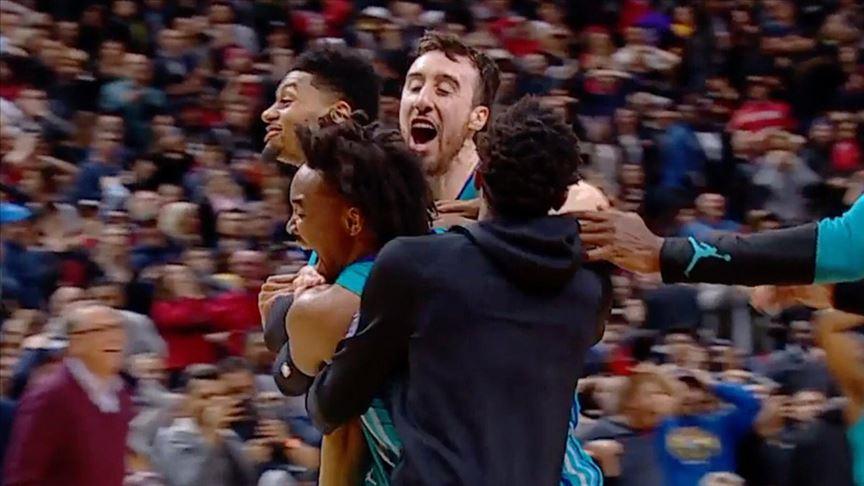 Hornets orta sahadan attığı basketle kazandı
