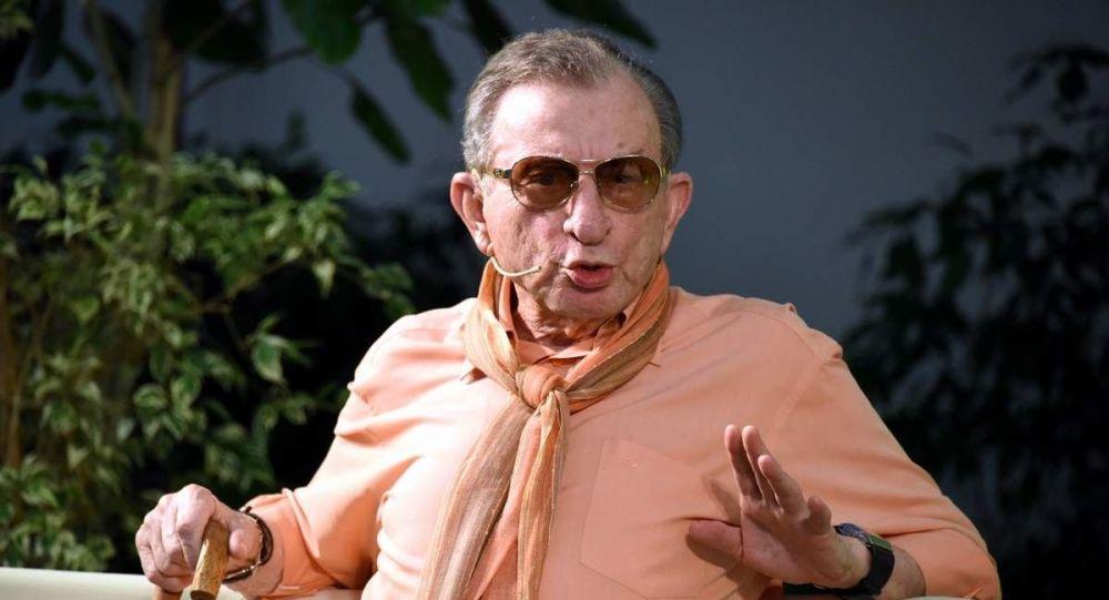Haldun Dormen: Tiyatroda korkulacak kadar bir sansür baskısı bence yok