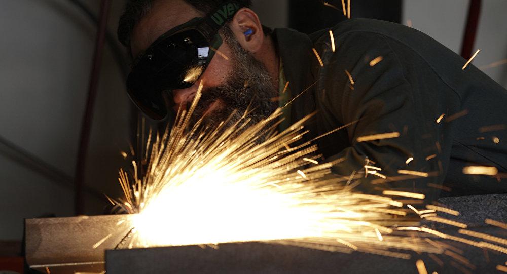 Sanayi üretimi martta yıllık yüzde 2.2 azaldı