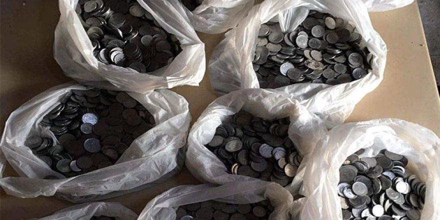 Tarihi Sağır Müftü Konağı'nın kapı kirişinden 100 kilo para döküldü!