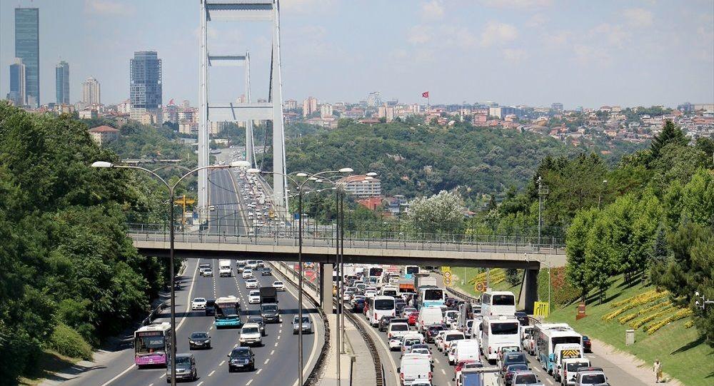 İBB Meclis üyesi Sarı'dan İstanbul trafiğine 7 çözüm önerisi