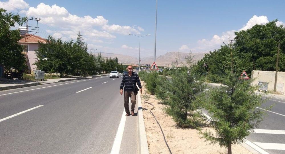 'Kayısı para etmiyor' diyerek Malatya'dan Ankara'ya yürüyor