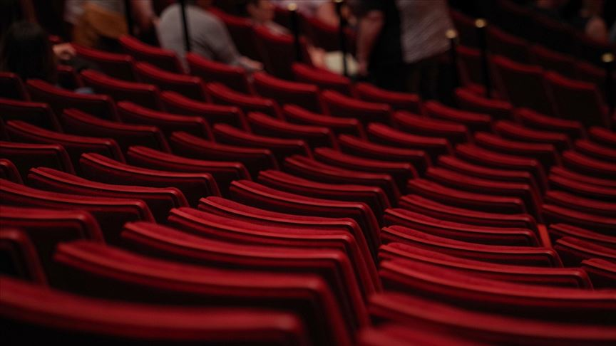 Özel tiyatrolara 6 milyon liralık destek