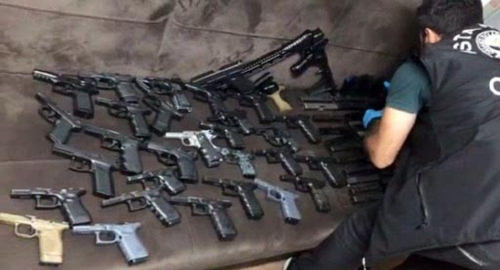 Bulgaristan'a gemiyle giden silahlar İstanbul'da ele geçirildi