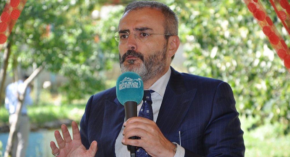 """""""Davutoğlu genel başkanlıktan ayrıldığı kongrede bir duruş sergileseydi, birileri buna mani mi olacaktı?"""""""