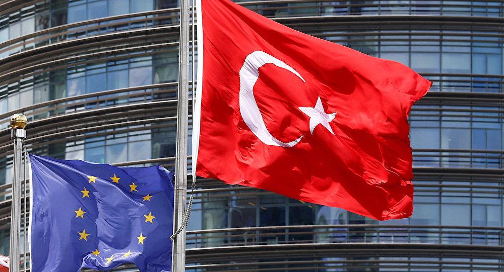 AB Türkiye Delegasyonu'nun Arapça eğitim-öğretim yılı mesajına tepki