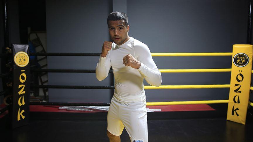 Dünya şampiyonu boksör bağımlılığa 'yumruk' atacak
