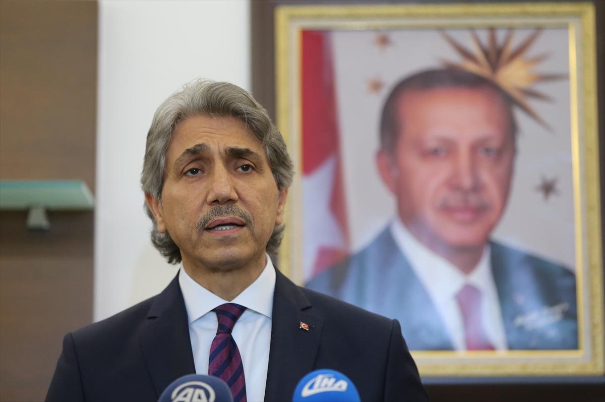 Fatih Belediye Başkanı Mustafa Demir, görevinden istifa ettiğini açıkladı.