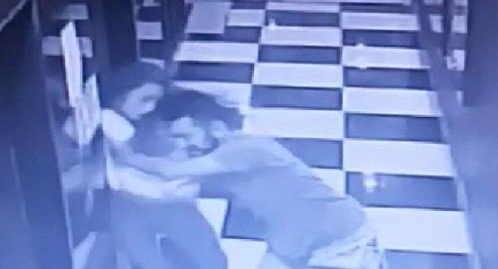 Genç kadın, kendisini asansör boşluğuna iten sevgilisinden şikayetçi olmadı