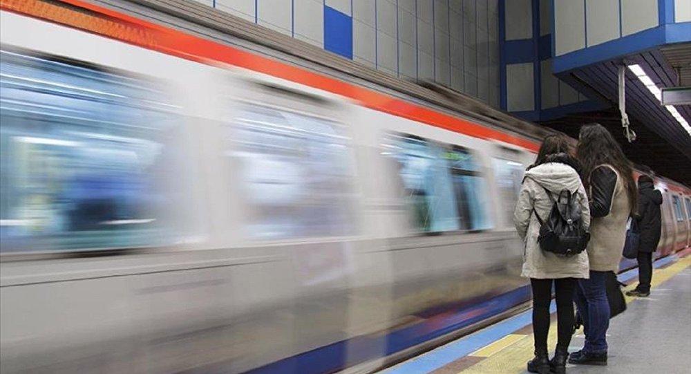 Metro hatlarının sefer saatleri uzatıldı