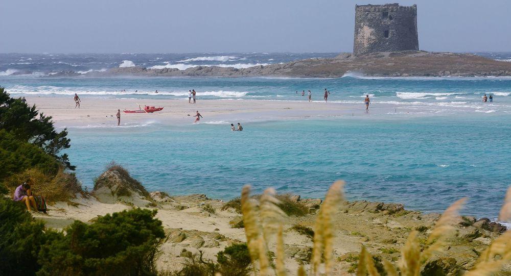 Aşırı turizme karşı önlem: Sardinya'nın ünlü plajına giriş artık biletle olacak