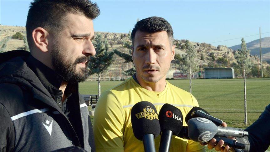Yeni Malatyasporlu Jahovic: Fenerbahçe maçını kazanıp, üst sıraları zorlayacağız