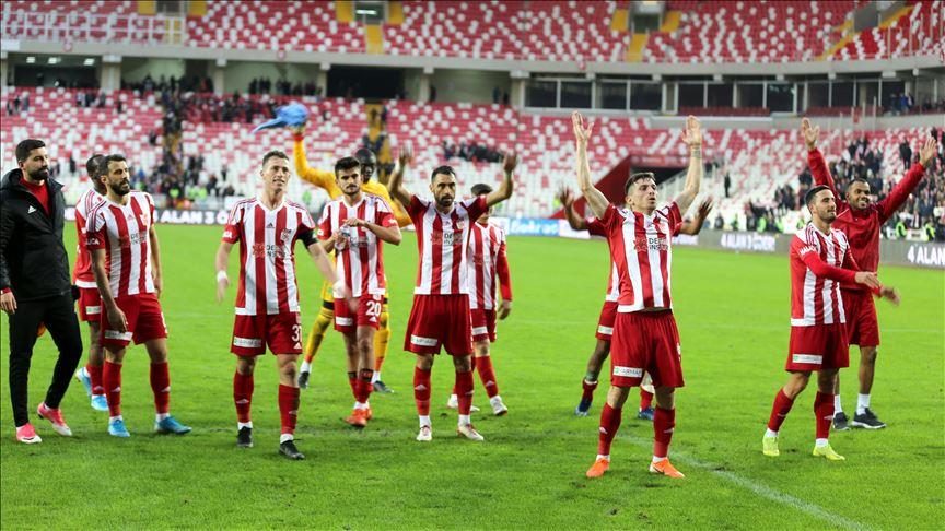 Süper Lig'in lideri Sivasspor kupa maçına hazır