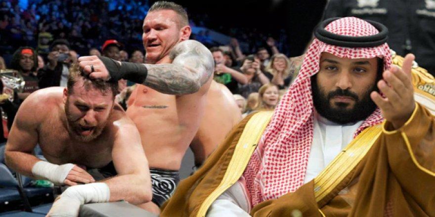 Dünya bunu konuştu: Suudi Arabistan'da Amerikan güreşi turnuvası!