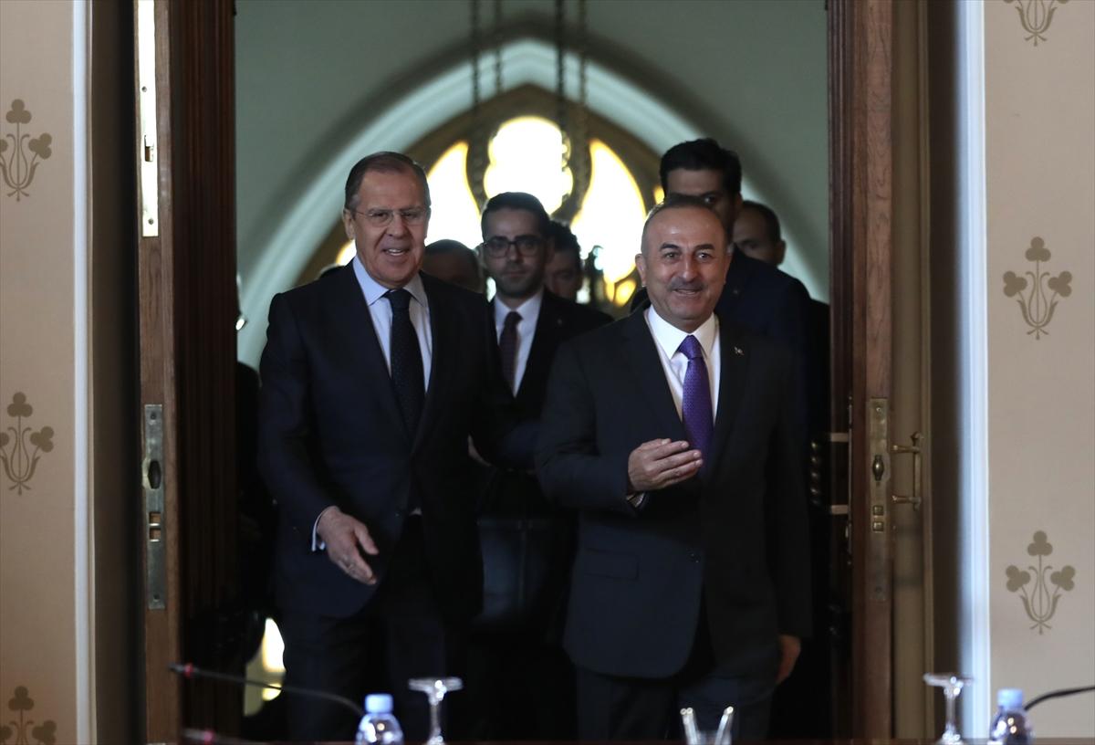 Çavuşoğlu, Lavrov ve Zarif Moskova'da bir araya geldi