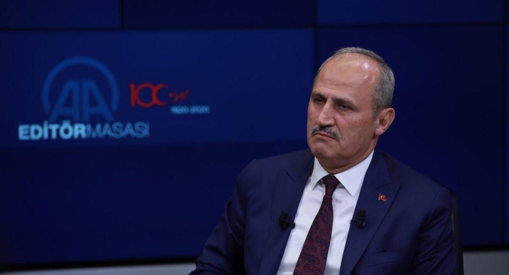 """""""Kanal İstanbul'dan geçecek gemilerden alacağımız para yıllık 1 milyar dolar civarında"""""""