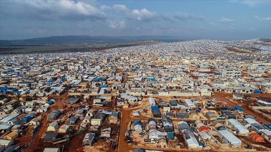 İdlib'deki çadır kentler doldu, taşıyor