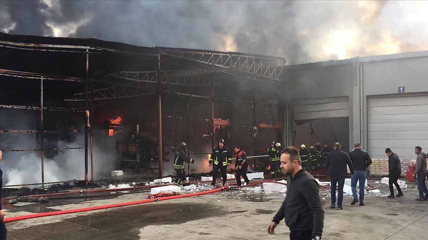 Samsun'da plastik fabrikasında çıkan yangın kontrol altına alındı